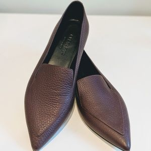 Everlane Boss Flat in Burgundy Size 7